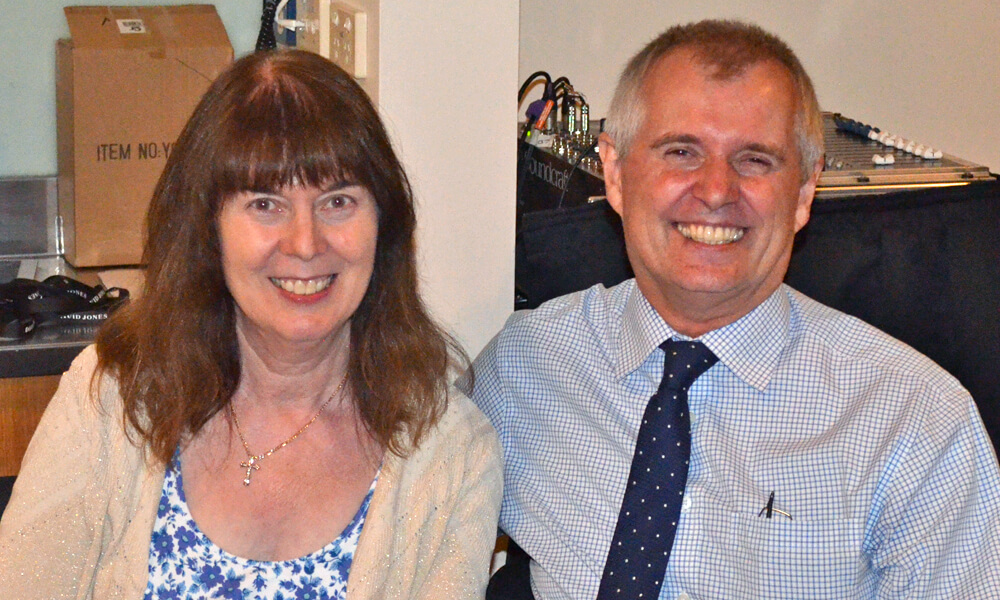 Allen Kupke and wife, Jenny, farewelled as CEO of LLL Australia